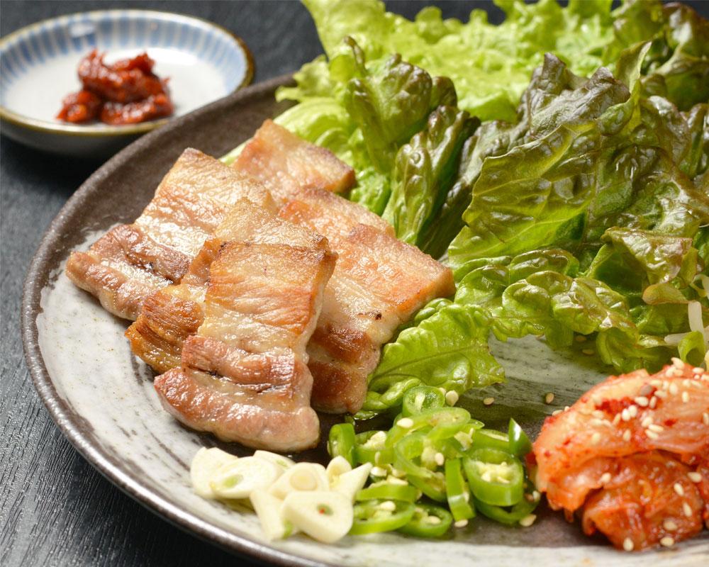 北海道産豚と使った「サムギョプサル」